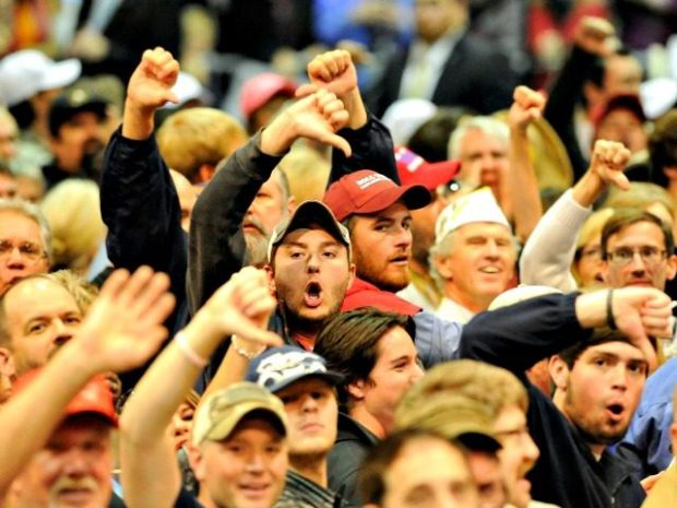 trump-supporters-thumbs-down-ap-640x480
